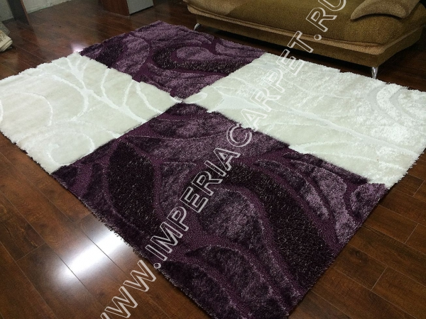 бело-фиолетовый ковер с ворсом, рельефный