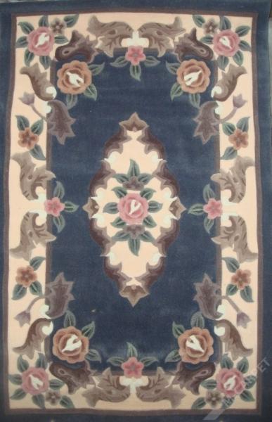 синий ковер приглушенный оттенок, розы краям и центру, коллекция акрил, Китай.